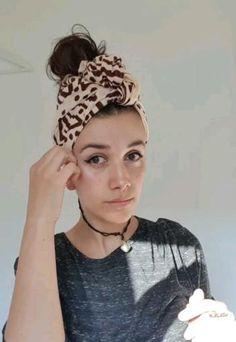 Hair Wrap Scarf, Hair Scarf Styles, Curly Hair Styles, Scarf Hairstyles Short, Headband Hairstyles, Pixie Headband, Headbands For Short Hair, Hair Turban, Pelo Afro