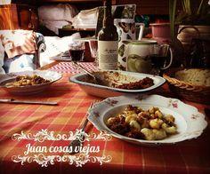 """27 Me gusta, 1 comentarios - Juan Cosas Viejas (@juancosasviejas) en Instagram: """"Hoy 29 día de ñoquis , nos gusta seguir las tradiciones en vajilla antigua tiene otro sabor .…"""""""