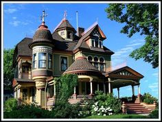 Tunkhannock Storybook Mansion, Pennsylvania. Identified by welcometomyhousetour.