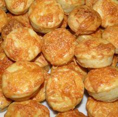 Kelesztés nélküli omlós sajtos pogácsa Recept képpel - Mindmegette.hu - Receptek Hungarian Recipes, Hungarian Food, Pretzel Bites, Scones, Gnocchi, Bakery, Muffin, Paleo, Breads