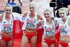 Patrycja Wyciszkiewicz, Małgorzata Hołub, Iga Baumgart i Justyna Święty - złoty medal w sztafecie 4x400 m