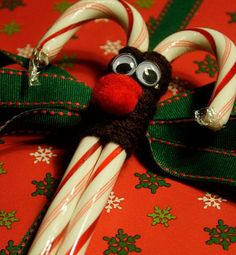 DIY Homemade Gifts for Christmas - Reindeer Candy Canes - Click pic for 25 DIY Christmas Gifts