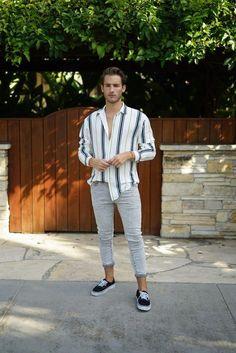 Aprendar a usar camisa listrada masculina. Mode Editorials, Summer Outfits Men, Spring Outfits, Herren Outfit, Thrift Fashion, Work Fashion, Fashion Ideas, Street Fashion, Fashion Inspiration