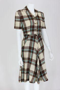 A great 1940s plaid shirtwaist dress. #vintage #fashion #1940s