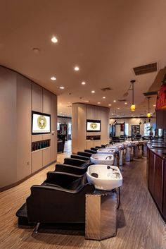 Martino Cartier Salon in Sewell, NJ with Avant Backwashes by Minerva Beauty! Minerva Beauty, Hair Salon Interior, Barbershop Design, Makeup Table Vanity, Executive Suites, Beauty Salon Decor, Salon Equipment, Salon Furniture, Furniture Direct