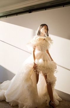 Giambattista Valli Fall & Couture ☆ Suivez-nous Sommer Swim pour plus d& . - Giambattista Valli Fall & Couture ☆ Suivez-nous Sommer Swim pour plus d& q - Fall Dresses, Pretty Dresses, Beautiful Dresses, Couture Mode, Couture Fashion, Bridal Gowns, Wedding Gowns, Boho Vintage, Gowns With Sleeves