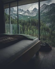 Mountain cabin views 😍 Tag someone you would enjoy this place with 🏔 Lienz, Austria. Photo by 🌞 Good Vibes Lifestyle 🌞 The best self help book 📓 of the last several 👌 …. Dream Rooms, Dream Bathrooms, Design Case, Wall Design, Design Design, Modern Design, My Dream Home, Future House, Beautiful Homes