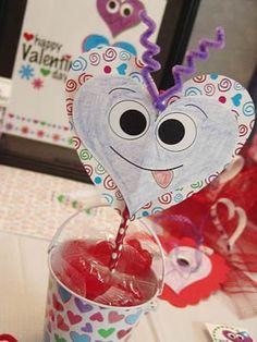 Cómo decorar lápices con corazones