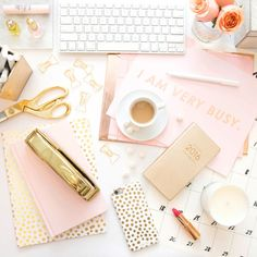 25 Desk Accessories That Will Make Your Workspace Chic AF If you love pretty and glamorous things. Let your feminine flag fly with soft pink and gold touches scattered throughout. Your desk is yours, so make it as girly as you are — no compromises need Office Color Schemes, Home Office Colors, Pink Office Decor, Pink Gold Office, Feminine Office Decor, White Office, Photo Pour Instagram, Pink Home Offices, Wand Organizer