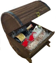 #Botticella in legno con #vini e prodotti locali.