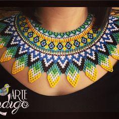 Collar Okama Jaikidua, envíos hacia cualquier lugar, disponible por encargo  cel o whatsapp +57 3012251255 - +573046365300 Bucaramanga - Colombia #collares #collar #okama #artesanía #art #mostacilla #visuteria #joya #ancestral #prenda #artesanias #huícholt Seed Bead Projects, Beading Projects, Bead Embroidery Jewelry, Beaded Embroidery, Beaded Necklace Patterns, Beading Patterns Free, Beaded Crafts, Beaded Collar, Bracelet Designs