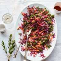 Red cabbage, kale and pomegranate salad recipe Red Cabbage Recipes, Red Cabbage Salad, Pomegranate Recipes, Pomegranate Salad, Christmas Dinner Trimmings, Waitrose Food, Thanksgiving Menu, Easy Salads, Clean Recipes