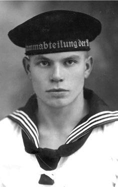 "Hot Vintage Men: The German Sailor. My add: ""Looks like a psycho to me. Vintage Gentleman, Vintage Men, Vintage Pictures, Vintage Images, Photos Originales, Vintage Sailor, Navy Sailor, Men In Uniform, Military Men"