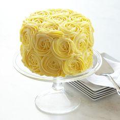 Williams Sonoma Yellow rose Cake... Need to make a cake like this!