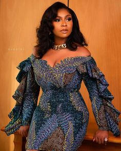Latest African Fashion Dresses, African Dresses For Women, African Attire, Women's Fashion Dresses, Fashion Clothes, African Inspired Clothing, Lace Gown Styles, Sleeves Designs For Dresses, Ankara Dress