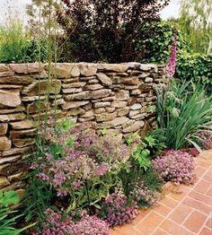 Garden Landscaping Design Ideas With Rocks And Stone - DIY Garten Landschaftsbau Backyard Garden Landscape, Garden Landscape Design, Backyard Fences, Garden Fencing, Front Yard Landscaping, Landscaping Design, Landscaping Rocks, Garden Grass, Hillside Landscaping