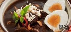 Rawon setan adalah jenis makanan khas yang berasal dari Jawa Timur. Rasanya memang enak, dan cocok untuk dinikmati selagi hangat. #AlwaysLoveIndonesia  #ProudToBeIndonesian