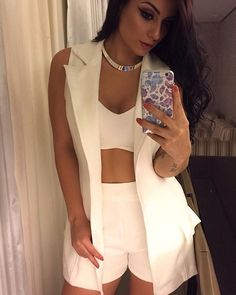 Come and wear fashion girls. Passion For Fashion, Love Fashion, Girl Fashion, Womens Fashion, Classy Outfits, Chic Outfits, Fashion Outfits, Blazer E Short, Look Con Short