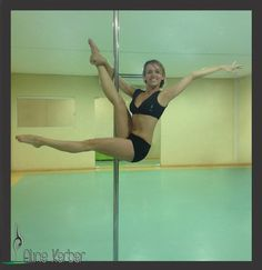 Extend bottom leg to split #pole