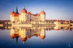 Letztes Sonnenlicht am Barockschloss Moritzburg