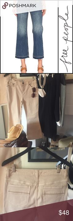 """  Free People   crop kick flair jean IN CREAM   Sister I love a cropped jean especially with that little kick flair that says """"My jeans are short on purpose!!"""" These don't have the tags, but they've never been worn. 28. NWOT. Free People Jeans Ankle & Cropped"""