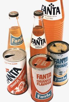 Fanta was invented in Nazi Germany during WWII, because difficulty in obtaining Coca-Cola syrup due to trade embargo. Vintage Bottles, Vintage Ads, Vintage Posters, Old Advertisements, Retro Advertising, Propaganda Coca Cola, Ginger Ale, Fanta, Soda Bottles