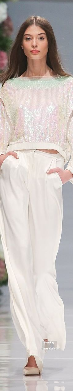 Valentin Yudashkin ~ Spring Cropped Top w Pant, White, 2015.  #fashion #style #stylish #beauty #model #dress #yudashkin  #glam #white