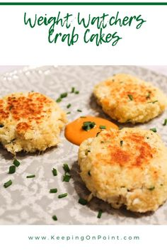 Weight Watchers Crab Cakes - 3 crab cakes is 3 points with blue and purple, 5 points for green Weight Watchers Crab Cakes Recipe, Weight Watchers Salmon, Weight Watchers Meal Plans, Weight Watchers Snacks, Weight Watcher Dinners, Healthy Potato Recipes, Ww Recipes, Light Recipes, Healthy Dinner Recipes