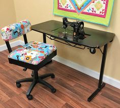 Arrow Cabinets Heavyweight Table for Vintage Singer Featherweight Sewing Machines 221 and 222 - 650873026111 Quilting Notions Featherweight Sewing Machine, Quilt In A Day, Sewing Cabinet, Vintage Sewing Machines, Chair Backs, Chair Cushions, Singer, Sewing Tables, Cabinets