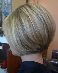 Short Hairstyles Stacked Bob Fine Hair with Golden Blonde Highlights.Short Hairstyles Stacked Bob Fine Hair with Golden Blonde Highlights Stylish Short Haircuts, Modern Bob Hairstyles, Scene Hairstyles, Latest Hairstyles, Curly Hairstyles, Short Hair Cuts For Women, Short Hair Styles, Petite Blonde, Hair Highlights And Lowlights