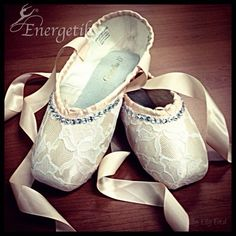 Energetiks Hand-decorated Lace Pointe Shoes (Available soon online for a limited time) by Elly Ford