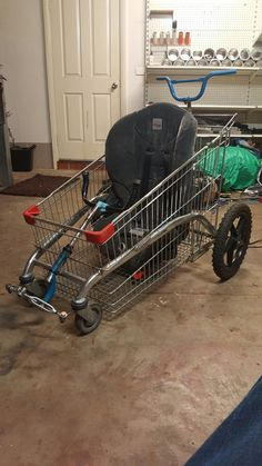 Got tired of simply looking at shopping trolley go karts so I made one to push the kids around in using things in the garage Trailer Diy, Bike Trailer, Karting, Shoping Cart, Homemade Go Kart, Kids Wagon, Go Kart Plans, Diy Go Kart, Mario Kart