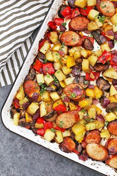 Sheet Pan Sausage and Veggies - This quick one pan dinner is always a big hit! Make it with your favorite sausage and veggie combinations to change up the flavor! (Gluten free, paleo, whole30 friendly!) Easy Chicken Recipes, Healthy Dinner Recipes, Healthy Snacks, Breakfast Recipes, Delicious Dishes, Easy Chicken Lettuce Wraps, One Pan Dinner, Recipe Sheets, Healthy Baking