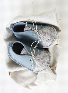 Handmade Leather & Floral Baby Toddler Shoes | Txelllagresa on Etsy