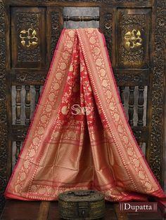 Red Saree Wedding, Engagement Saree, Saree Designs Party Wear, Weave Shop, Kanjivaram Sarees Silk, Purple Saree, Indian Fashion Trends, Sari Dress, Indian Bridal Wear