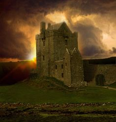 Beautiful mysterious places...Castle in Scotland, Musetouch.