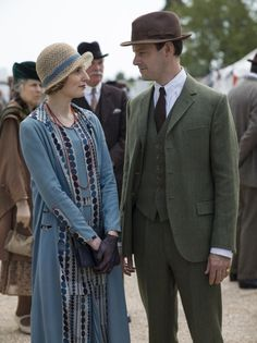Downton Obsession | S6 E7 | At the racetrack - Edith & Bertie <3