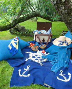 ralphlauren:  Al Fresco: A picnic on the green in Ricky Lauren's book `The Hampton's : Food, Family and History'