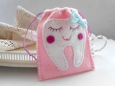 Tooth fairy pouch ideas for AV when she loses her teeth.
