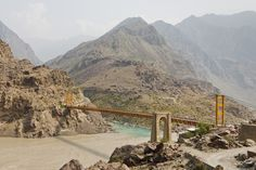 Karakorum at the Chinese border: The most spectacular roads in the world - The Karakorum Highway connects China and Pakistan, it crosses vertiginous mountain scenery and alongside the Batura glacier that sometimes invaded the track. © Patrick Poendl - Fotolia.com