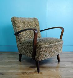 Mid century lounge chair - The Hoarde Antiques Online, Selling Antiques, Mid Century Chair, Chairs For Sale, House Numbers, Tub Chair, Vintage Furniture, Vintage Items, Accent Chairs