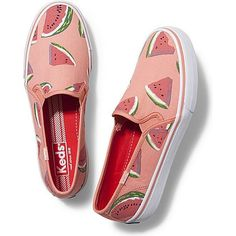 Keds Double Decker Picnic (1,145 DOP) ❤ liked on Polyvore featuring shoes, sneakers, flats, watermelon fruit print, keds, keds flats, pull on shoes, slip-on sneakers and slip on sneakers