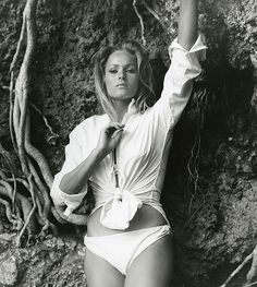 Ursula Andress, 1962