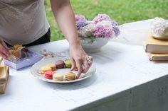Allestimento angolo confettata matrimonio Confetti, Serving Bowls, Tray, Tableware, Home Decor, Dinnerware, Decoration Home, Room Decor, Tablewares