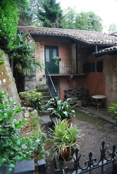 Wandering Soul, Wondering Mind — cityhoppersgarden:   Patio on Isola dei Pescatori...
