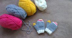 Moufles enfant en tricot Knitting For Kids, Loom Knitting, Baby Knitting, Tricot Baby, Diy Crochet, Avril, Mittens, Gloves, Handmade