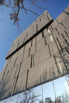 Gallery of El Coihue Building / Estudio Larrain - 5