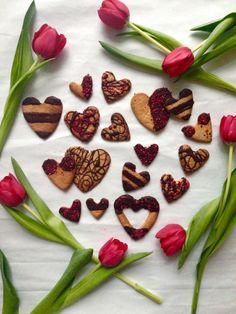 Raspberry and Rose Almond Cookies - HEMSLEY + HEMSLEY Healthy Food and Living