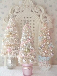 I may have to make a separate board just for pink Christmas!Fashion, Beauty and Creativity: shabby chic christmas. Christmas Projects, Holiday Crafts, 242, Noel Christmas, Christmas Wedding, Victorian Christmas Tree, Mini White Christmas Tree, Beautiful Christmas, Bohemian Christmas