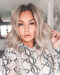 27 New Ash Blonde Short Hair Ideas for 2019 . Among the many hair color trends for hues with a little smoke are on the rise to the top. Ash Blonde Balayage Short, Ash Blonde Short Hair, Ashy Hair, Short Brown Hair, Short Hair Cuts, Short Hair Styles, Icy Blonde, Pixie Cuts, Girl Hair Colors